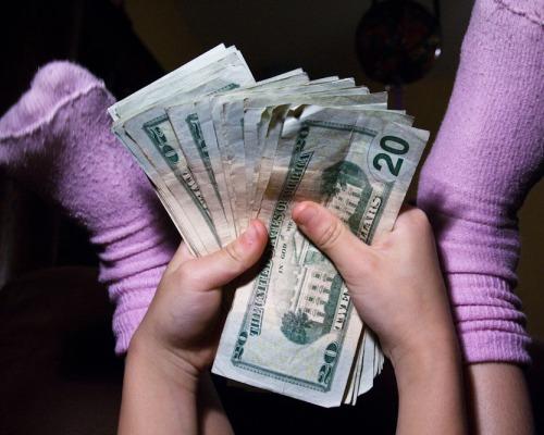 enseñar, jóvenes, dinero